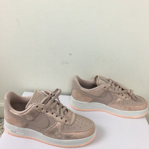 NEW Nike Womens Air Force 1 '07 PRM Shoes 7.5 NWT